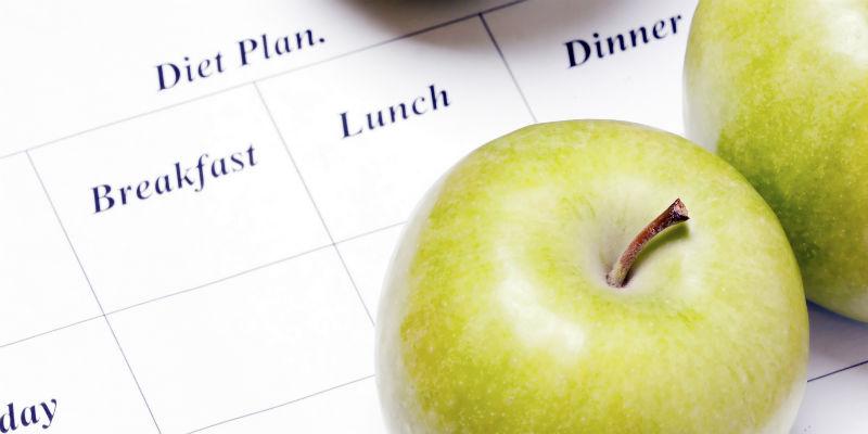Múltiples estudios concluyen que no solo importa qué se come, sino más bien asimismo en qué momento se come. (iStock)